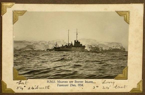 Bouvet oya orig foto 1934 HMS Milford Red